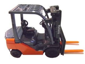 Toyota 8LT-25 CB Forklift - Gas Model 1